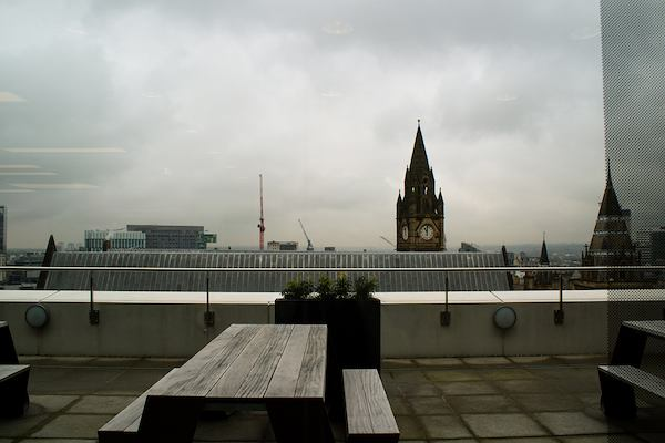 Terrace with the view of Big Ben in the horizon.